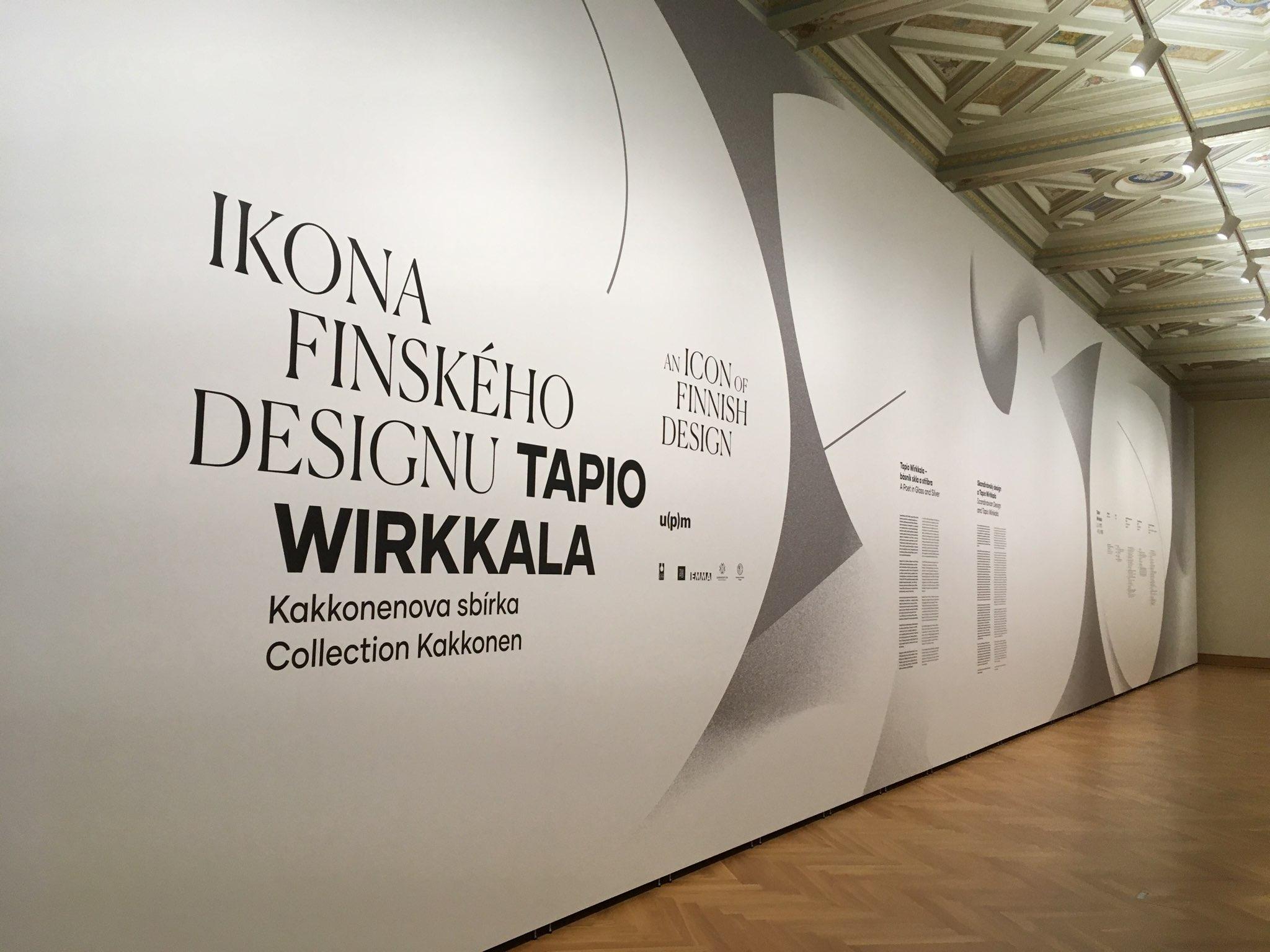 Finnisches Design – Ausstellungsaufbau mit Mila-wall Wandmodulen im Kunstgewerbemuseum Prag