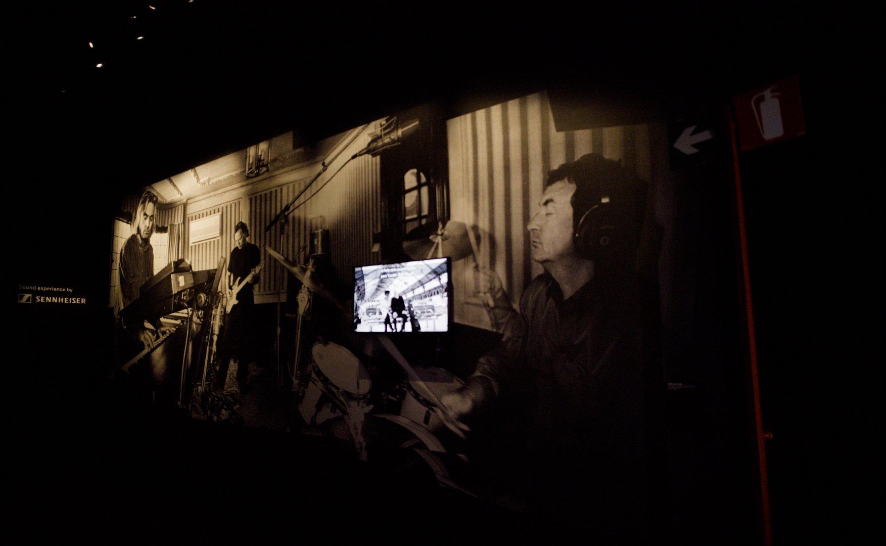 Multimedialer Ausstellungsbau mit modularen Wänden von Mila-wall