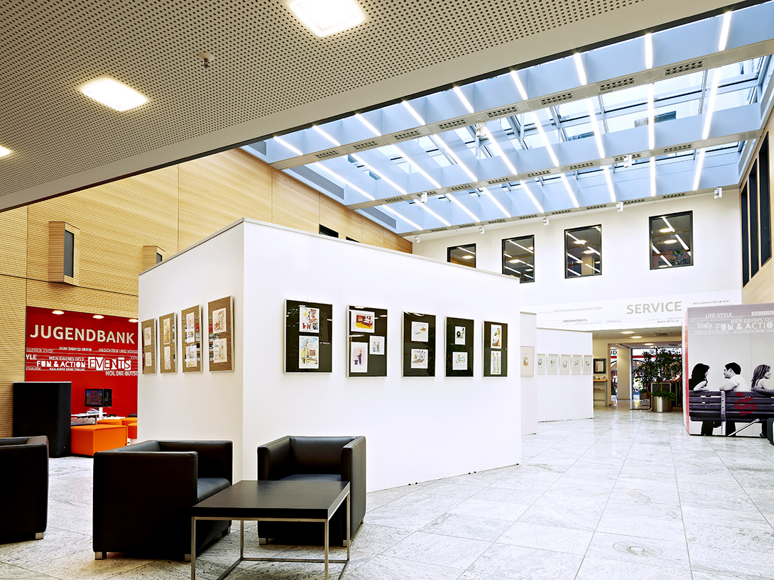 Exhibition room with Mila-wall technology in the Kreissparkasse Augsburg
