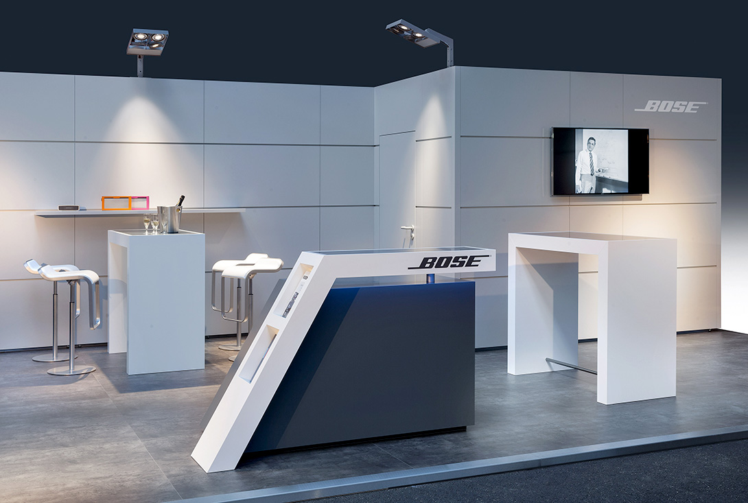 Messestand mit individualisierten Mila-wall Modulen