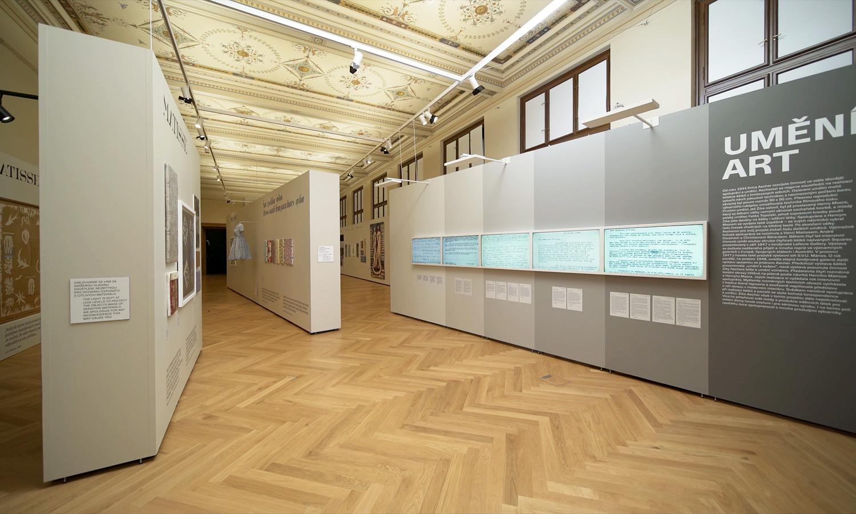 Ausstellung mit Mila-wall Technik im Kunstgewerbemuseum in Prag