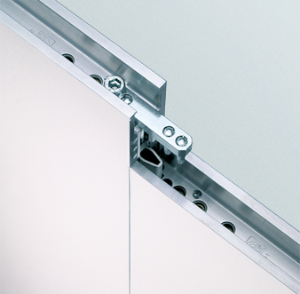 Zoom: Connection of Mila-wall Series 100 wall modules with aluminium frame