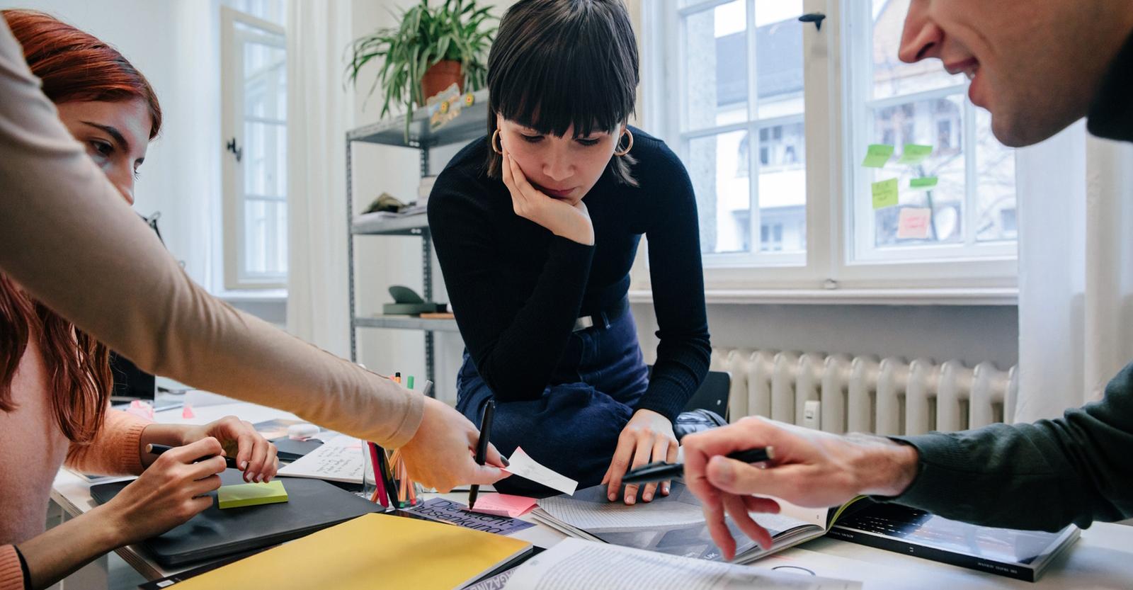 Symbolbild Teamarbeit: MBA Stellenangebote